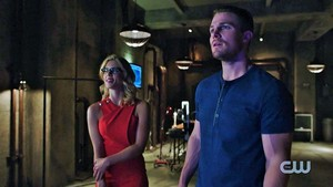 《绿箭侠》 Season 4 Trailer: Olicity