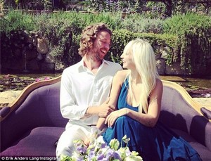 Sia and Erik her husband at a wedding