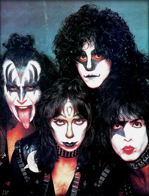 KISS ~1982 Creatures Of The Night