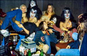KISS ~Hollywood California...August 18,1974 Hotter Than Hell picha Session