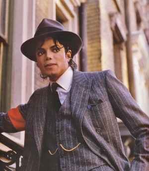 "Michael Jackson - HQ Scan - ""Moonwalker Set"""