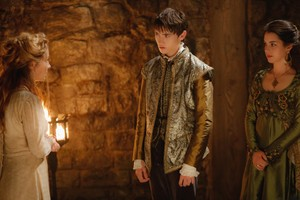 "Reign ""Betrothed"" (3x02) promotional picture"