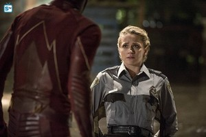 The Flash - Episode 2.02 - The Flash of Two Worlds - Promo Pics
