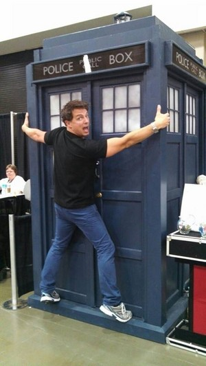 john barrowman gives ultimate muhuri of approval for major sebastian perry nyumbani made tardis