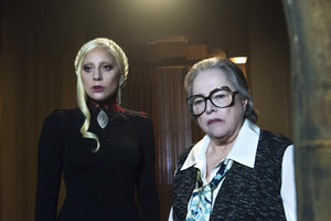 "American Horror Story: Hotel ""Flicker"" (5x07) promotional picture"
