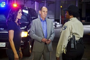 NCIS: Los Angeles - Episode 7.09 - Internal Affairs - Promotional चित्रो