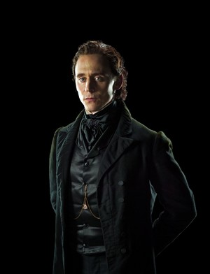Tom Hiddleston as Thomas Sharpe in Crimson Peak