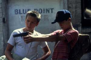 River Phoenix as Chris Chambers in Stand द्वारा Me