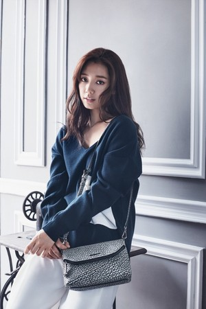 park shin hye bruno magli bags 2015 fall winter collection
