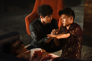 'Shadowhunters' 1x06 Of Men and Bidadari (stills)