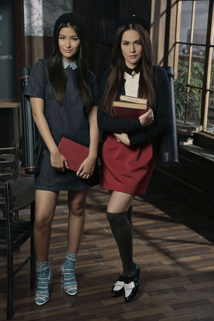 003  Liza Soberano and Bea Alonzo Kashieca Back To School