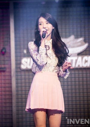 160301 IU at Sudden Attack 2015-16 Winter Champion's League Final Event
