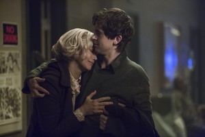 Bates Motel - 4x01 - Promotional Stills