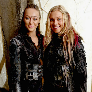 Alycia and Eliza the 100