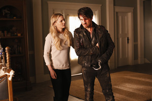 "Killian Jones | 5x15 ""The Jones Brothers"" Promo Pics"