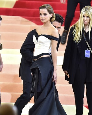 Emma Watson at the MetGala May 2, 2016 (HQs)