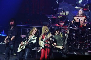 Lita Ford and Lzzy Hale in New York City концерт