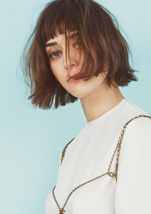 Lizzy Caplan - Lula Magazine Photoshoot - April 2016