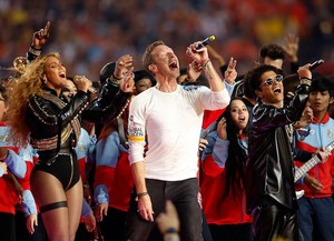 chris martin Beyonce bruno mars - superbowl