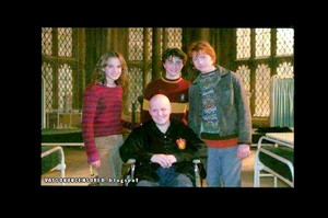 New pic of Harry Ron and Hermione on set of Harry Potter