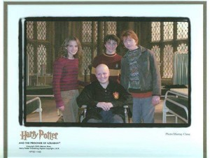 New pic of Harry and Hermione on set of Harry Potter