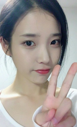 [From.IU] 160702 IU Selca