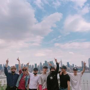 BTS Group Photo 2016 bts 39724613 300 300