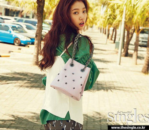 PARK SHIN HYE FOR JUNE 2016 SINGLES