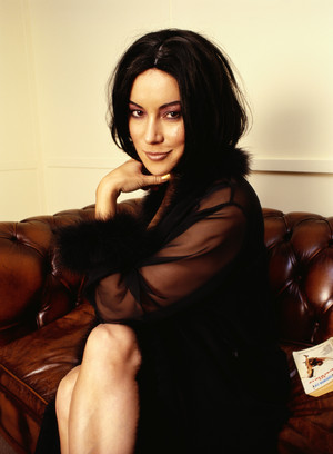 Jennifer Tilly (1998)
