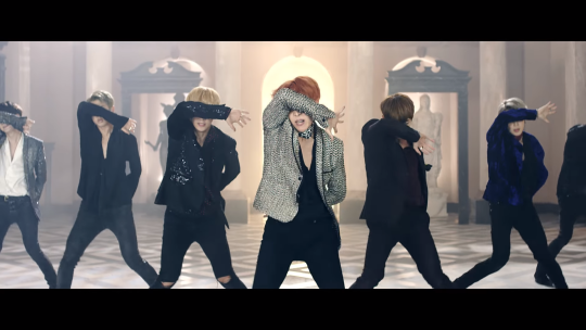 ♥ Bangtan Boys - BLOOD SWEAT