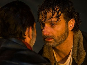 7x01 ~ The giorno Will Come When te Won't Be ~ Rick and Negan