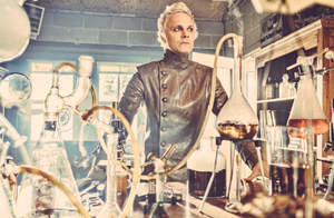 David Anders as Dr. Whale ❤