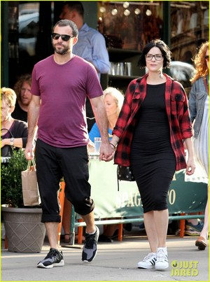 Jaimie Alexander Holds Hands with New Boyfriend Airon Armstrong!