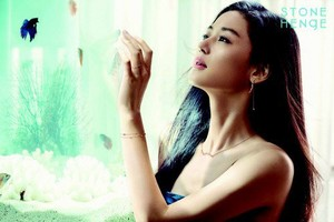 Jun Ji Hyun glows in 1st cuts from her new jewelry brand endorsement deal