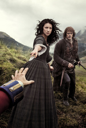 Outlander Claire and Jamie Season 1 Official Picture