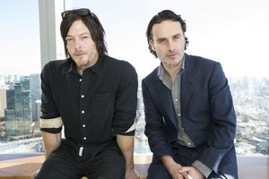 Norman Reedus and Andrew लिंकन