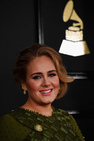 adele at Grammys 2017