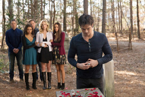 Elena 8x16 ''I Was Feeling Epic'' Promotional still