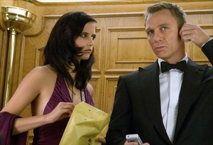 Vesper and James - Casino Royale elevator scene