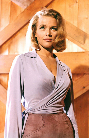 Honor Blackman/Pussy Galore