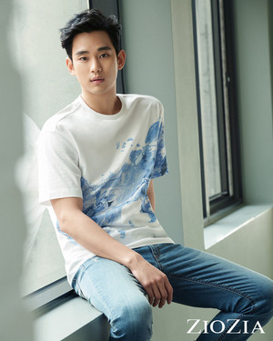 KIM SOO HYUN FOR 2017 S/S ZIOZIA COLLECTION
