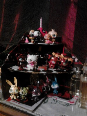 FNaF Shelf Filled