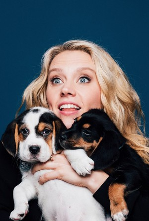 Kate McKinnon and Puppies!