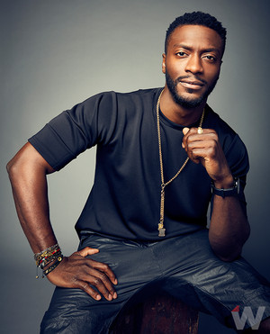 Aldis Hodge - The 덮개, 랩 Photoshoot - 2016