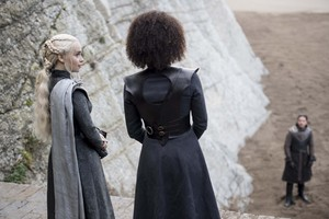 Daenerys Targaryen and Missandei 7x04 - The Spoils of War