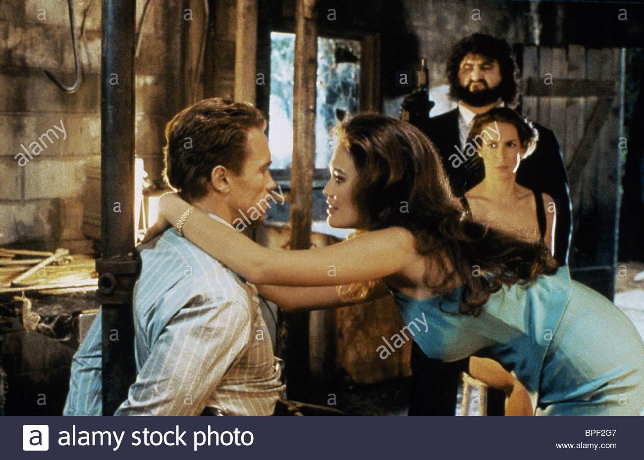 Arnold Schwarzenegger Tia Carrere Jamie Lee Curtis True Lies 1994 Bpf2g7 True Lies Foto 40624040 Fanpop