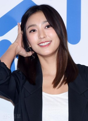 170919 Bora @ VIP Premiere of Movie 'Star Nextdoor'