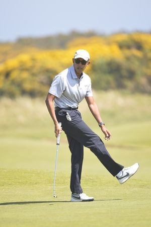 Barack Playing Golf