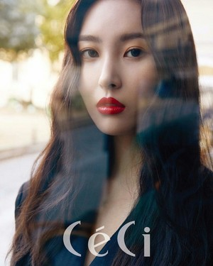 Sunmi for L'Oréal Paris X CeCi Magazine November Issue