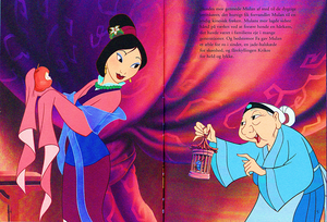 Walt ディズニー Book Scans – Mulan: The Story of Fa ムーラン (Danish Version)
